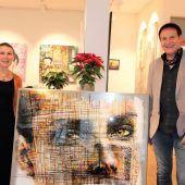 """<p class=""""caption"""">Carmen und Werner Böhler luden zum Stöbern in die Art Galerie ein.nam/3</p>"""