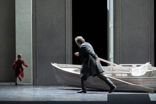 """Christian Gerhaher (oft auch zu Gast bei der Schubertiade in Vorarlberg) in der Neuinszenierung von Verdis """"Simon Boccanegra"""" in Zürich. Oper/Rittershaus"""