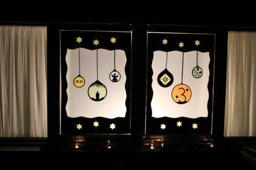 Das festlich gestaltete Adventfenster bei Wohnen für Jung und Alt, ...Heilmann