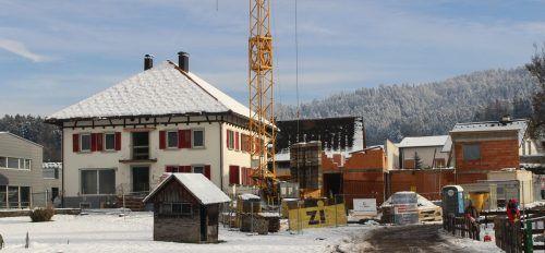 Das Maurer-Haus in Hohenweiler wird nicht nur generalsaniert, sondern auch durch weitere Wohnobjekte ergänzt. stp