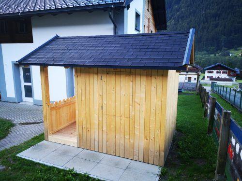 Das neue Spielhaus des Ganztagskindergarterns Gortipohl wurde als Lehrlingsprojekt realisiert.Gemeinde