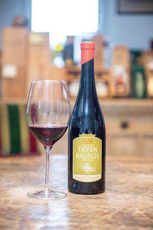 Der Tiefenrausch vom Weingut Möth passt optimal zum Rehragout.Beate Rhomberg
