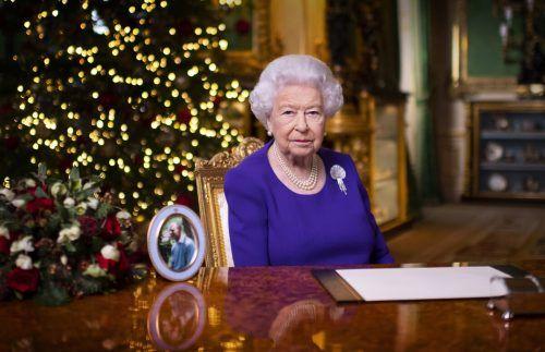 Die Botschaft der Queen war zuvor von einem Kamerateam unter strengsten Hygiene- und Sicherheitsvorkehrungen aufgezeichnet worden. AP