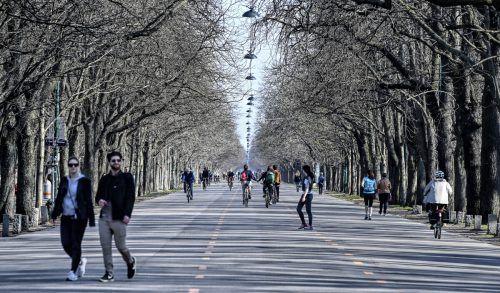 Die Mehrheit der Bevölkerung rechnet der Umfrage zufolge langfristig mit mehr Fuß- und auch mehr Radverkehr. APA