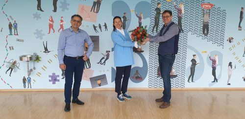 Die scheidende Obfrau Jutta Jäger wird von Direktor Gerald Fenkart (l.) und Neo-Obmann LAbg. Christoph Thoma verabschiedet.BG Bludenz