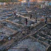 """<p class=""""factbox"""">Ein Flüchtlingslager für 375 Syrer im Libanonist abgebrannt, möglicherweise in der Folge einesStreits einer libanesischen Familieund Syrern. AFP</p>"""