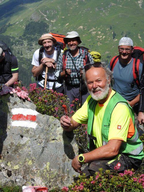 Für viele Wanderer ist es ein Höhepunkt, den Wegewart anzutreffen. Mayer