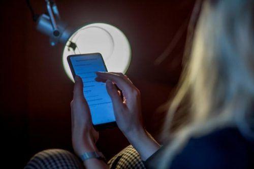 Handybesitzer standen im Visier der beiden verdächtigen Männer, die persönliche Daten ausforschten und falsche Verträge versandten. Symbol/VN/Paulitsch