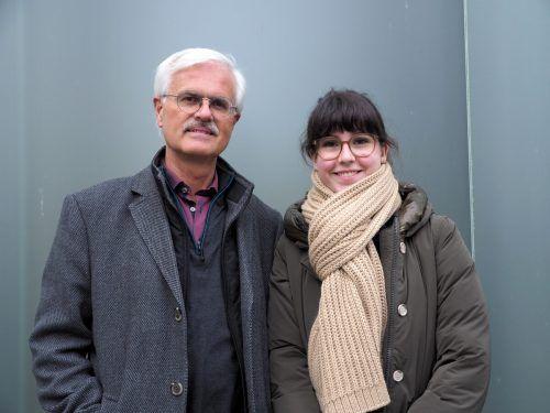 Historiker Manfred Tschaikner mit Enkelin Carmen Popescu.