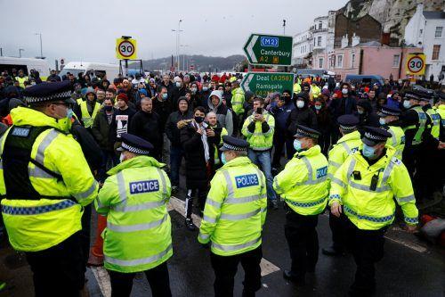 Im britischen Dover herrscht Chaos an den Grenzen. RTS