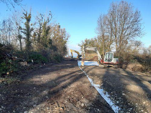 Im Zuge der Bauarbeiten wird eine Leitungstrasse Richtung Bodensee verlegt.