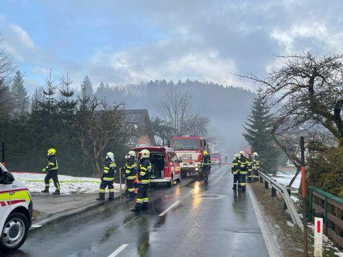 In Bad Aussee ist am Dienstagvormittag ein Einfamilienhaus in Brand geraten.
