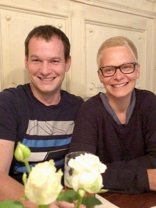 Judith und Elmar haben sich als Krisenpflegeeltern für eine ganz besondere Form des Engagements entschieden. voki