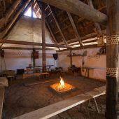 """<p class=""""caption"""">Liebevoll mit historischem Interieur ausgestattet: Das """"Langhaus"""" vor dem sinnlosen Brandanschlag. Nun bleibt nur noch die Frage nach dem Warum. ALAMANNENKREIS MÄDER</p>"""