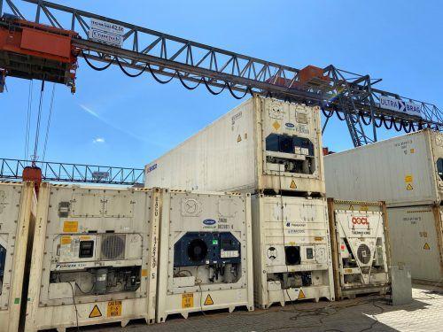 Mit dem Reefer Runner von Identec haben die Nutzer ihre Kühlcontainer jederzeit unter Kontrolle, jetzt auch am Rheinhafen in Basel.Fa