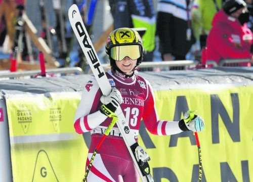 Nina Ortlieb behielt in der ersten Abfahrt von Val d'Isere die Nerven, belohnte sich mit Platz fünf. Zwei Startnummern vor ihr war Nicole Schmidhofer mit voller Wucht im Fangzaun gelandet.gepa
