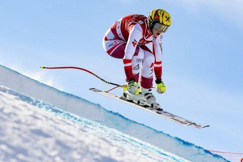 Nina Ortlieb in idealer Abfahrtsposition. Die Lecherin ist für die Rennen in Val d'Isere gesetzt.gepa/4