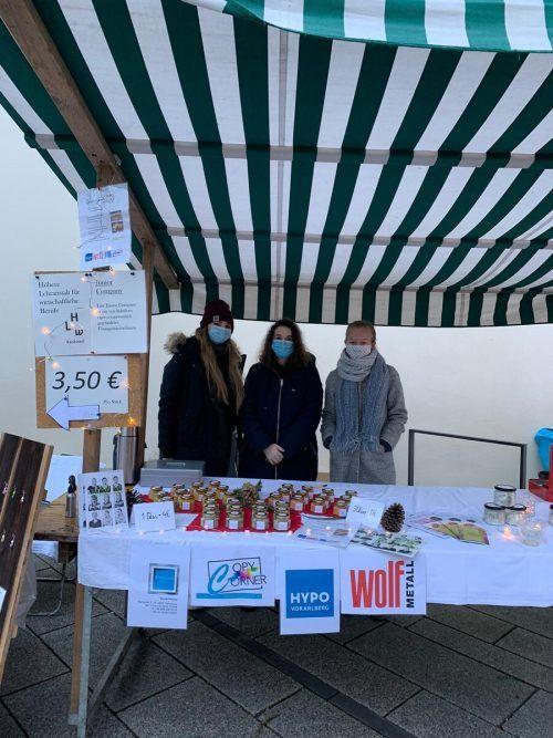 Noch am heutigen Mittwochvormittag sind die Mädchen der HLW Rankweil am Dornbirner Marktplatz an ihrem Stand anzutreffen.