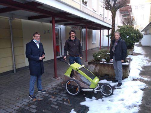 Obmann Christoph Thoma, Mitarbeiter Leonhard Preiss und Schriftführer Gerold Konexl vom Verein Pina helfen auch und speziell in Coronazeiten rasch und unbürokratisch. Pina