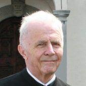 "<p class=""caption"">Pfarrer August Hinteregger prägte die Pfarre Maria Bildstein.</p>"