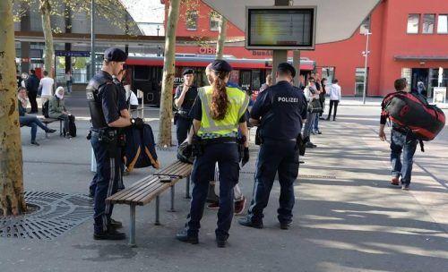 Die Polizei musste wieder am Bahnhof Dornbirn einschreiten.  SYMBOL/VN