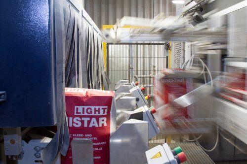 Röfix Österreich stellt das gesamte Produktsortiment auf 25-kg- Säcke um. Für die Umstellung wurden 2,3 Millionen investiert. röfix