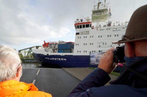 Rund einen Monat werde die Schiffsreise bis in die Atka-Bucht dauern. afp