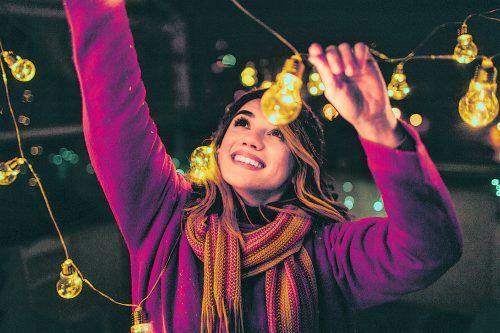 Schaffen Sie mit Beleuchtung ganz einfach eine stimmungsvolle Atmosphäre. iStock