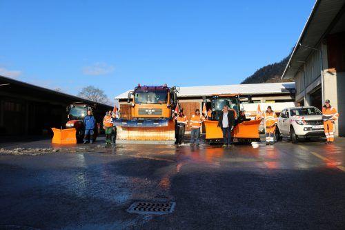 Schneepflüge, Traktoren, Streuer und vor allem das Team des Bauhofs Feldkirch sind winterfit und einsatzbereit.Stadt