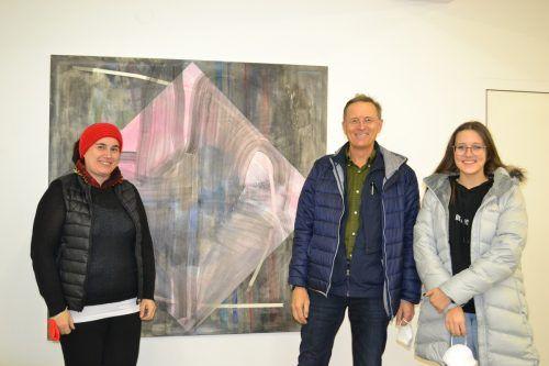 Sonja Amritzer (l.) sowie Künstler Roland Haas und Laura Agostinelli.