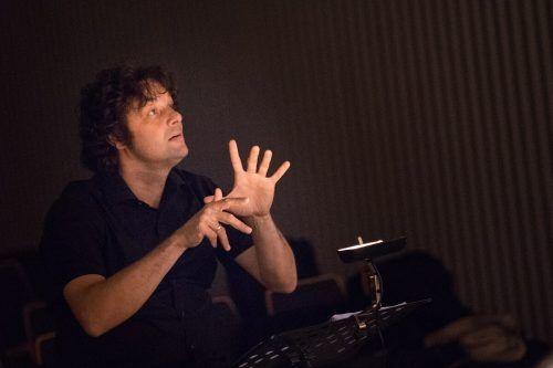 Thomas Platzgummer leitet das Konzert des Concerto Stella Matutina. Rennert