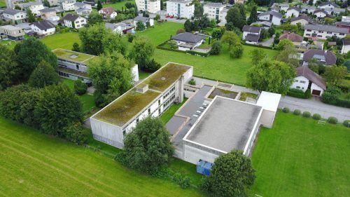 Trotz schwieriger Rahmenbedingungen wird auch 2021 investiert. Rund zwei Millionen Euro sind für den Neubau der Volksschule Altenstadt vorgesehen. Archiv/ETU