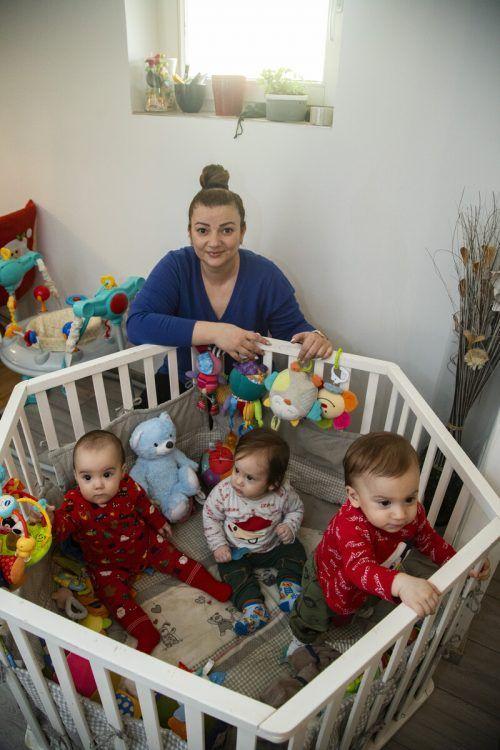 Yanis, Almea und Liam: Sie machen die Mama stolz. Aber weil der Papa den Job verlor, ist die Situation nicht einfach. VN/Paulitsch