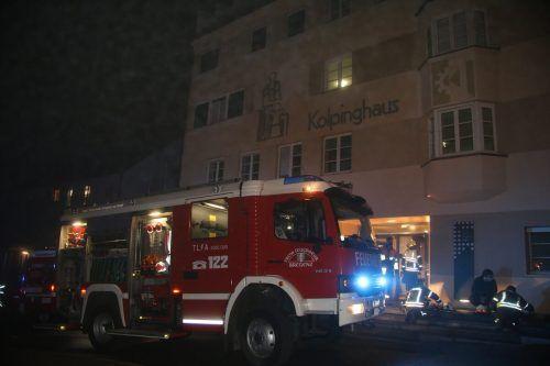 Zimmerbrand im Kolpinghaus sorgte für Großeinsatz. VOL
