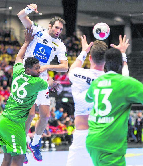 Alpla-HC-Hard-Kapitän Dominik Schmid (31) war bei der EM 2014 und WM 2019 dabei und hält bei 57 Länderspielen und 74 Toren.GEPA