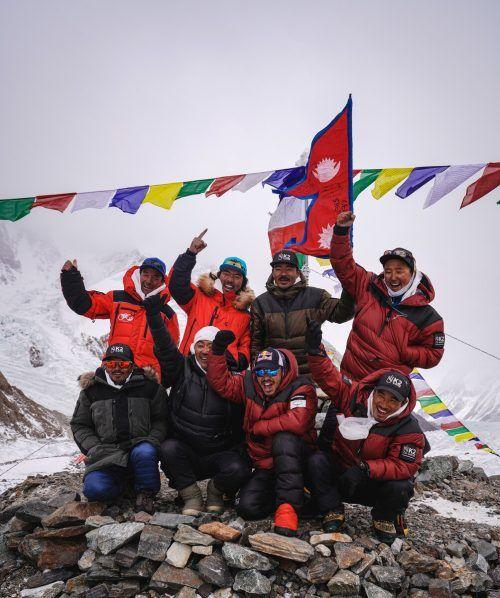 Als Einziger unter den Achttausendern war der K2 noch nie im Winter erklettert worden. Zehn Nepalesen haben den Karakorum-Gipfel nun erreicht. nimsda/red bull