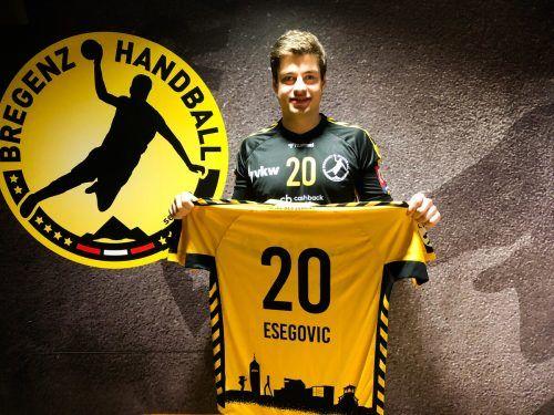 Ante Esegovic wird auch zukünftig das Trikot von Bregenz Handball tragen.Verein