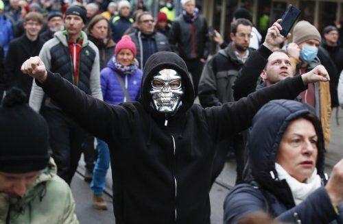 Auch in Graz gingen Menschen gegen die Coronamaßnahmen auf die Straße. apa