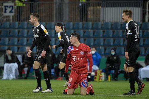 Auch Weltfußballer Robert Lewandowski kann seine Mannschaft aktuell nicht vor einer Talfahrt schützen. Zwei Niederlagen in Folge gab es schon lange nicht.apa