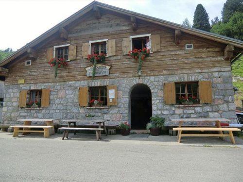 Auf der Alpe Dalaaser Spullers sollen laut BH-Kundmachung in naher Zukunft bauliche Veränderungen erfolgen.Alpenregion