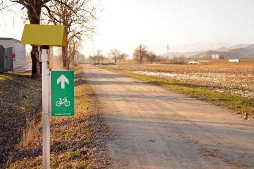 Auf Höhe des Altstoffsammelzentrums Königswiesen beginnt der Ausbau des Teilstücks der Radwegverbindung. ajk