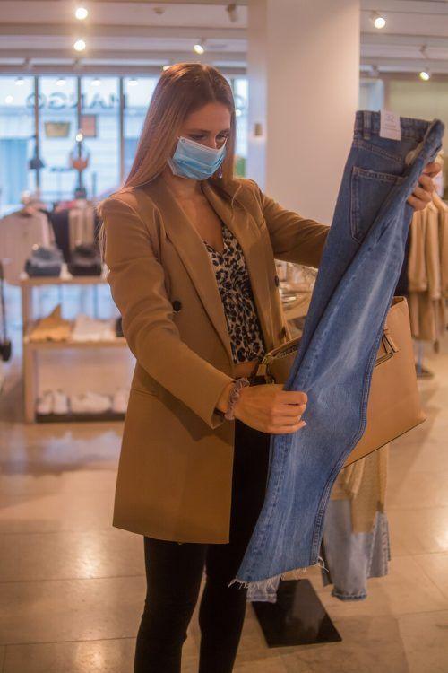 Aus der Traum: Einkaufen bleibt auch freigetestet und geschützt ein No-Go.VN/Steurer