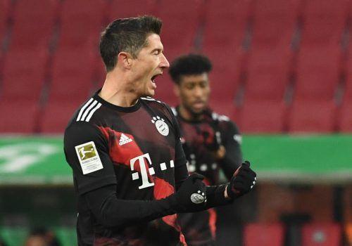 Bayern-Stürmer Robert Lewandowski bejubelt seinen 22. Saisontreffer.REuters