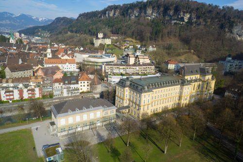 Blick vom Landeskonservatorium zur Schattenburg. VN/KH