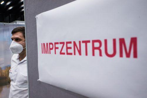 Bei den Angehörigen, die zur Impfstraße eingeladen wurden, handelt es sich laut Landesregierung um Einzelfälle. VN/STEURER