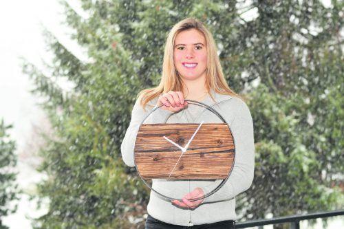 Den Jahreswechsel verbrachte Katharina Liensberger im Kreise der Famile zu Hause in Göfis. Für das Ski-Ass tickt die Uhr bereits am kommenden Sonntag wieder beim Slalom in Zagreb.tl