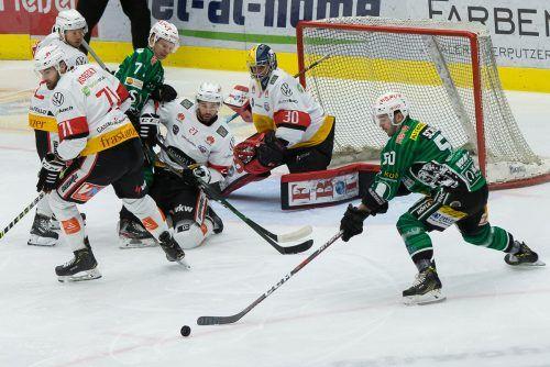 Der EC Bregenzerwald deckte im Derby VEU-Goalie Alex Caffi mit 46 Schüssen ein.steurer
