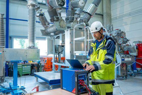 Der Hersteller von Prüfgeräten für die Energiebranche, Omicron, beliefert Kunden in 160 Ländern weltweit. Fa