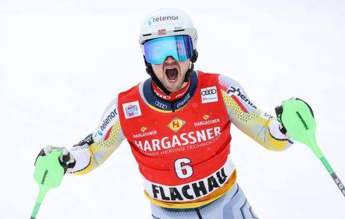 Der Schrei des Siegers: Der bereits 29-jährige Norweger Sebastian Foss-Solevaag feierte seinen ersten Weltcupsieg.gepa
