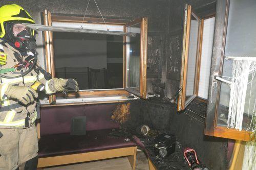 Die Eckbank im Wohnbereich, von der das Feuer ausging.